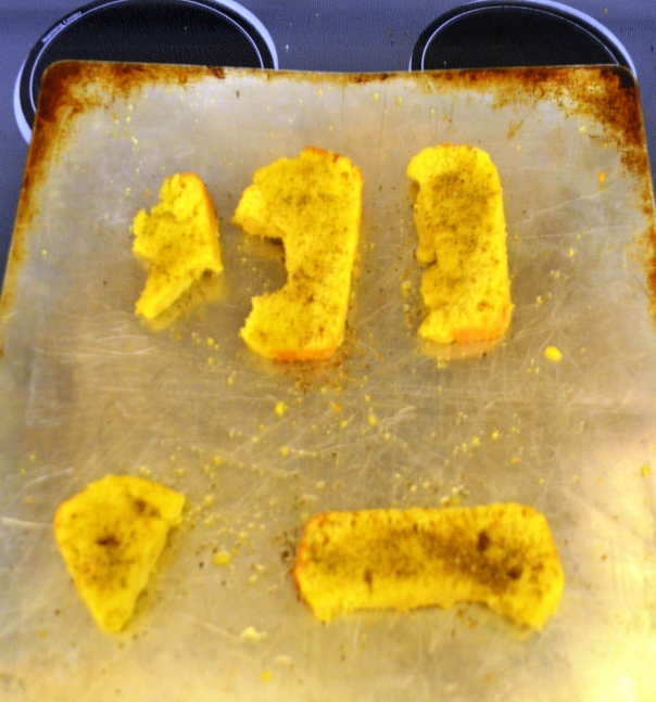 We seasoned some corn bread slices, toasted them and turned them into croutons.